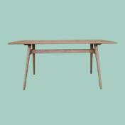 北欧テイストのアッシュ無垢のダイニングテーブル